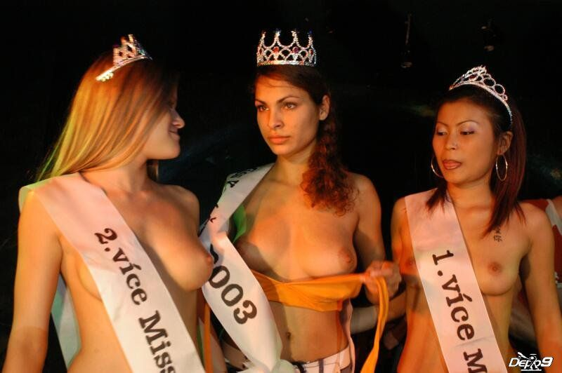 Cuộc thi Vú đẹp quốc tế  Xem là sướng