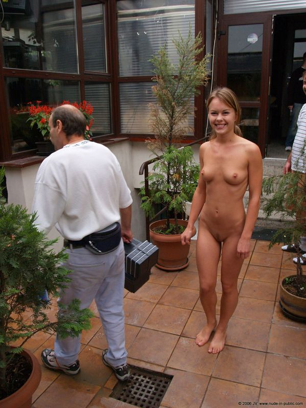 Uliana 15 in family style nudist video