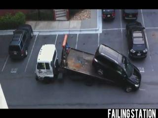 Эвакуаторщик накосячил