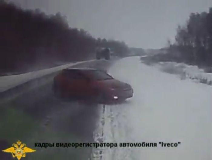 авария, авария дня, авто авария, дтп, жесть, лобовая авария, сhevrolet lacetti, iveco