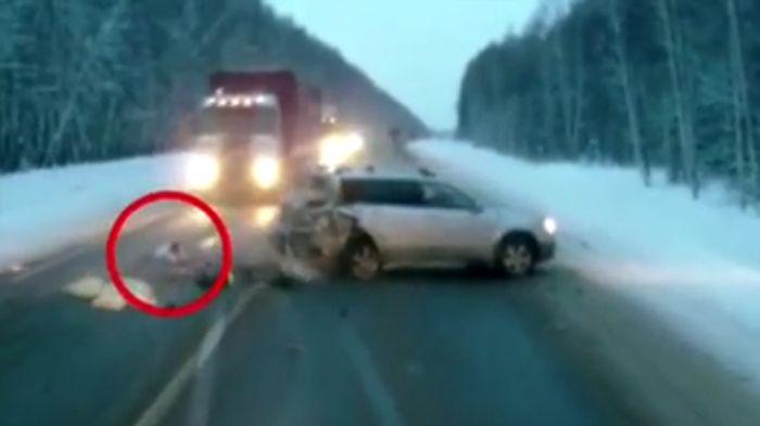 авария, ребенок на дороге,