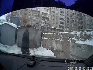 Без палева расцарапал машину