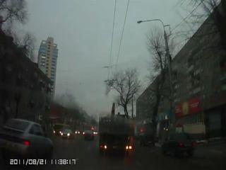 Ждешь такой, когда грузовик повернет