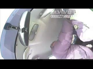 Пьяный водитель ударил инспектора