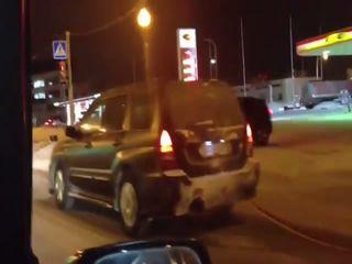 Subaru Forester буксирует самосвал!