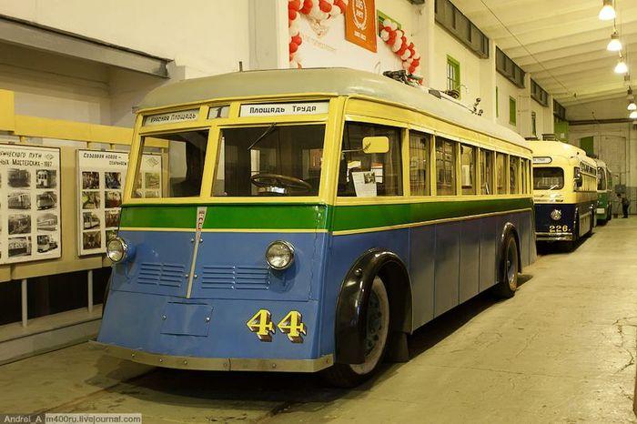 музей, общественный транспорт, трамвай, троллейбус
