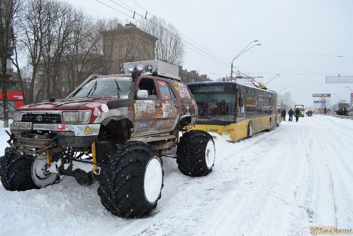 внедорожник, помощь на дороге, снегопад