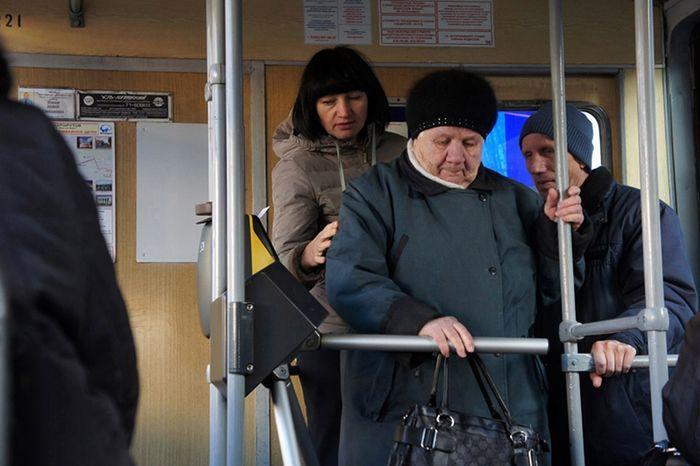 общественный транспорт, трамвай, турникет