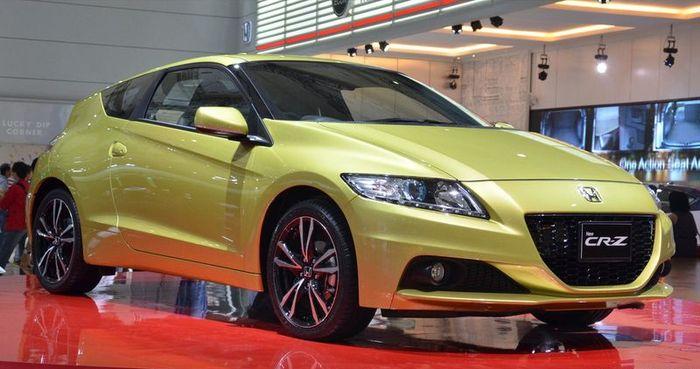 Компания Honda обновила модель CR-Z (15 фото)