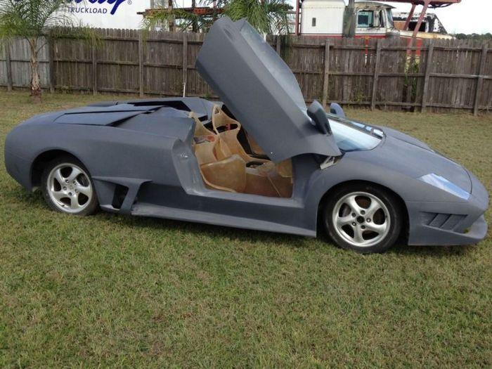 Жестокая реплика Lamborghini Murcielago LP640 Roadster из Porsche Boxster (10 фото)