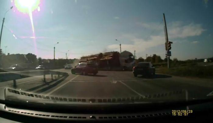 Эпизод из фильма Пункт назначения на российской дороге (видео)