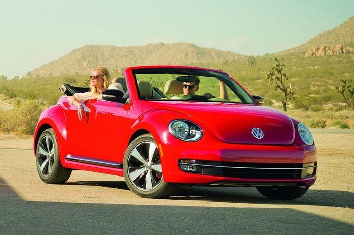 Компания Volkswagen представила Beetle Convertible (14 фото)