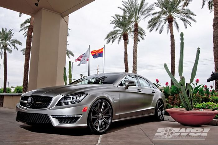 Комплект новый дисков Vossen Wheels на Mercedes-Benz CLS 63 AMG (9 фото)