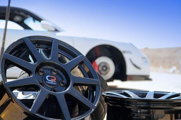 Первые в мире колесные диски из карбона (10 фото)