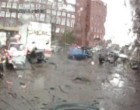 Гонщики на Subaru Impreza протаранили грузовик и пешеходов
