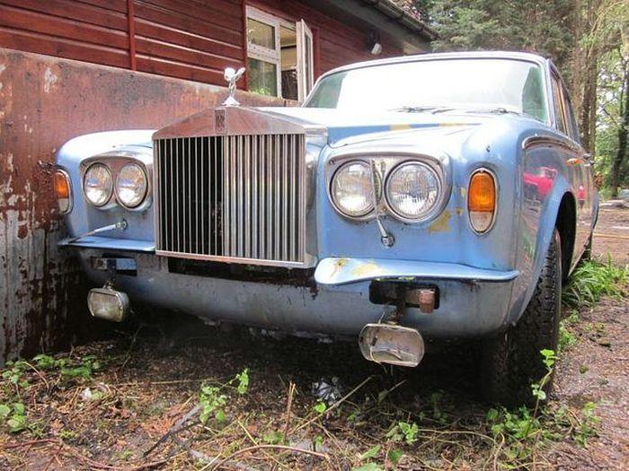 Гниющий Rolls-Royce Silver Shadow - печальная картина... (10 фото)