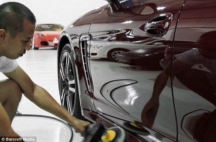 Самая дорогая в мире автомойка находится в ОАЭ (9 фото)