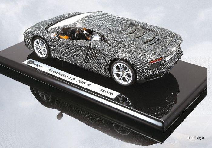 Lamborghini Aventador LP700-4 в кристаллах Сваровски (4 фото)