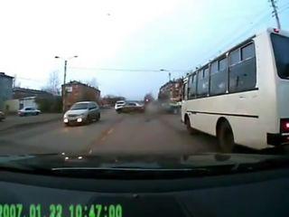 Из-за идиота произошла серьезная авария