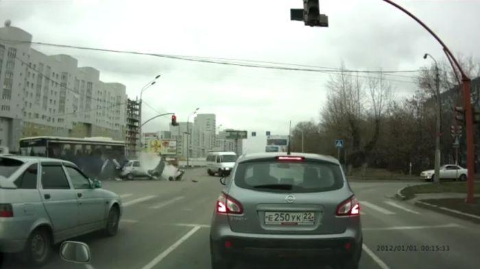 Авария дня часть 784 (фото+2 видео)