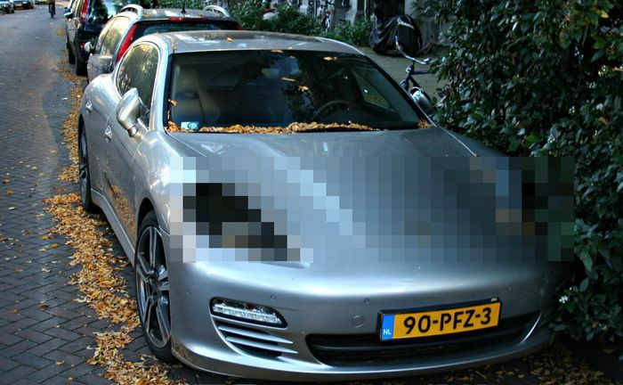 В Европе кризис... Страдают автомобили Porsche Panamera (8 фото)