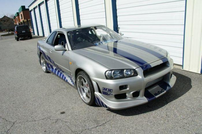 На аукционе выставлен GT-R из фильма 2 Fast 2 Furious (13 фото+видео)