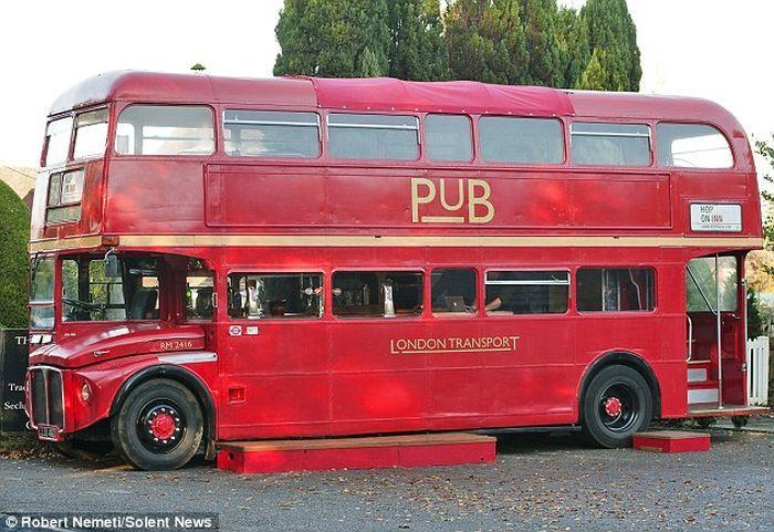 Необычный лондонский Паб - Hop On Inn (7 фото)