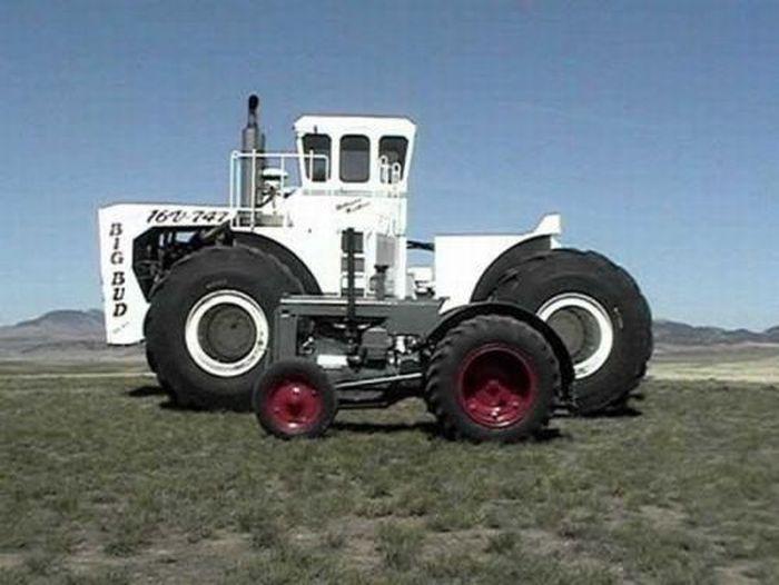Big Bud - самый большой сельскохозяйственный трактор (12 фото+2 видео)