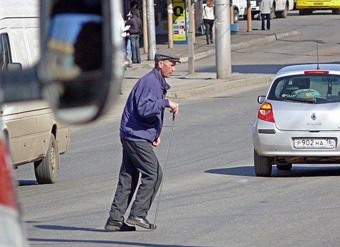 Виновных в ДТП пешеходов обязали компенсировать ущерб водителям (текст)