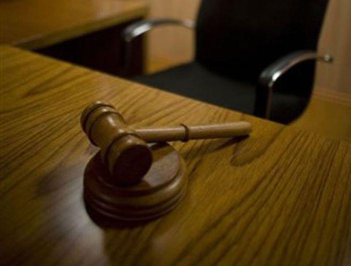 В США суд обязал женщину сообщить водителям о своем идиотском поступке (текст+видео)