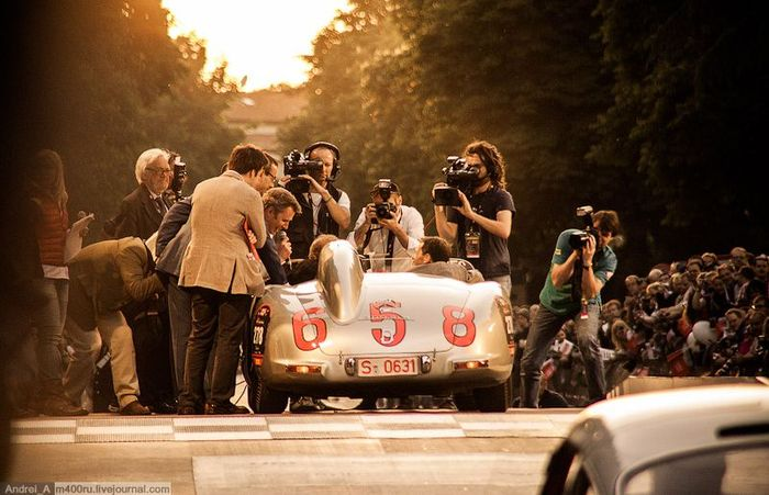 Победитель Mille Miglia 1955 года Mercedes M-B 300 SLR (11 фото)