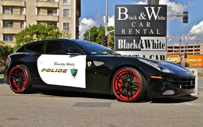 Ferrari FF в полиции Beverly Hills (15 фото+видео)