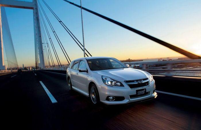 Subaru Legacy и универсал Legacy Touring Wagon получили заряд от STI (39 фото)