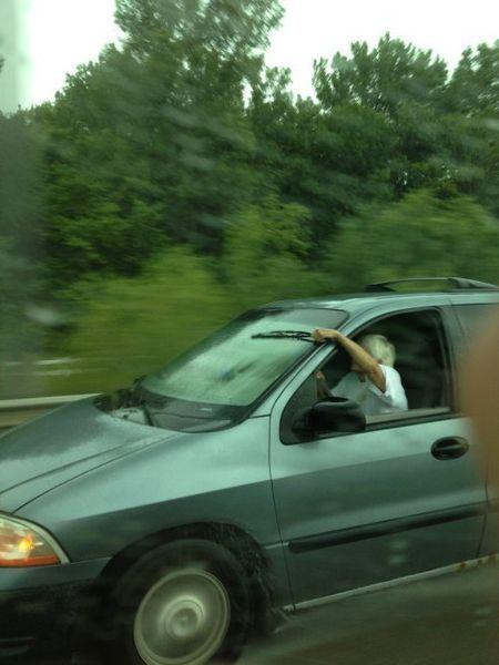 Подборка дураков на дорогах (25 фото)
