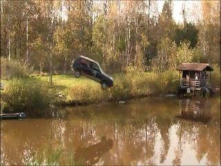 Прыжок в пруд на Volkswagen Golf