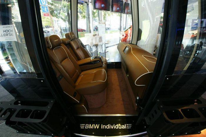 Люксовый вагончик канатной дороши от BMW (6 фото)