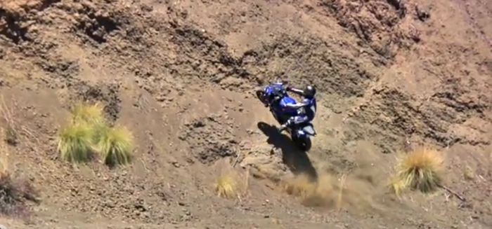 Подборка аварий мотоциклистов задом наперед (видео)