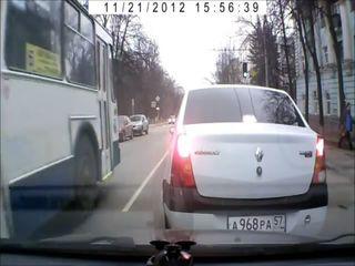 Неожиданный маневр троллейбуса