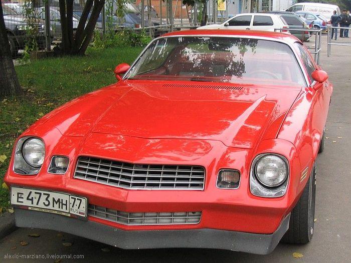 машина в городе