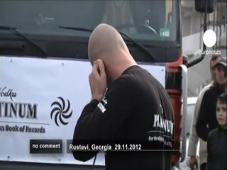 Протащил грузовик своим ухом