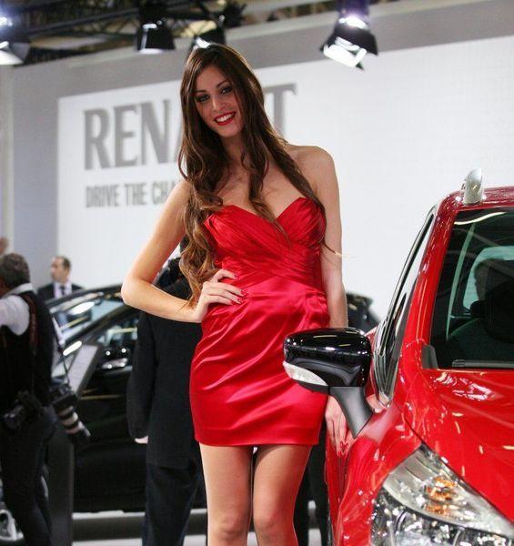 девушки и авто, автосалон, bologna motor show