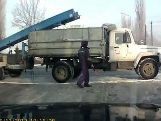 В Казахстане сбили гаишника