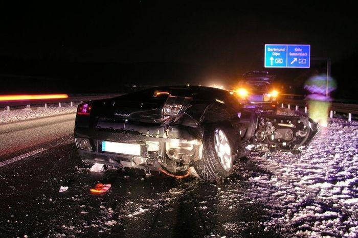 аварии суперкаров, разбили машину