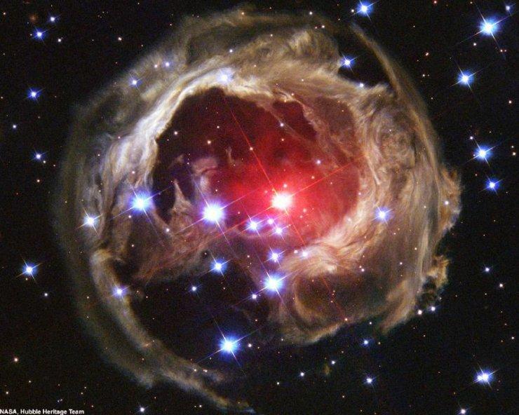 Космос (2 фото)