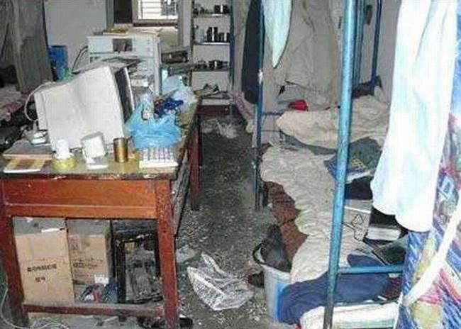 Одно из китайских общежитий (10 фото)