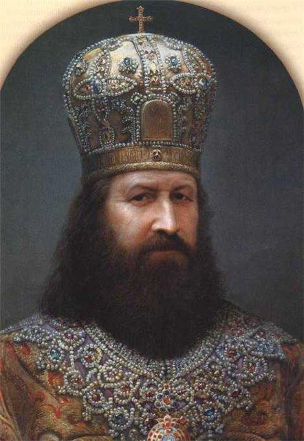 Патриарх Никон (1652-1666) отличался глубокой аскетичностью, духовностью, обширными знаниями и получил особое расположение царя Алексея Михайловича. При активном содействии Патриарха Никона в 1654 году состоялось историческое воссоединение Украины с Россией, затем и Белоруссии. Особо проявил себя Патриарх Никон как церковный реформатор: при нем было заменено двуперстное крестное знамение на троеперстное, исправлены богослужебные книги по греческим образцам.