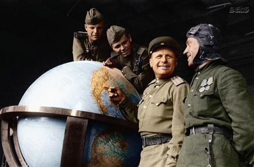 Берлин 1945, в рехсканцелярии Гитлера