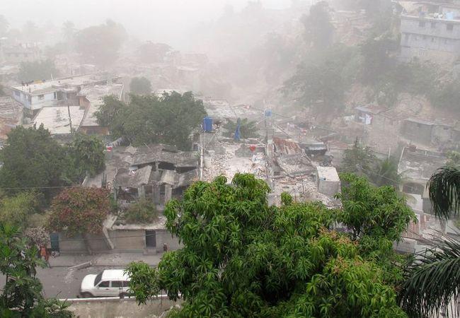 Землетрясение на Гаити (33 фото)
