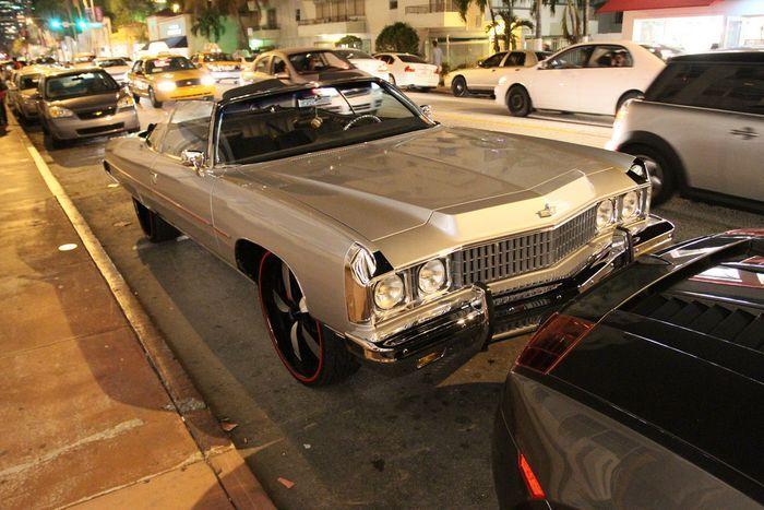 Автомобили и пара байков на улицах Майами (46 фото)