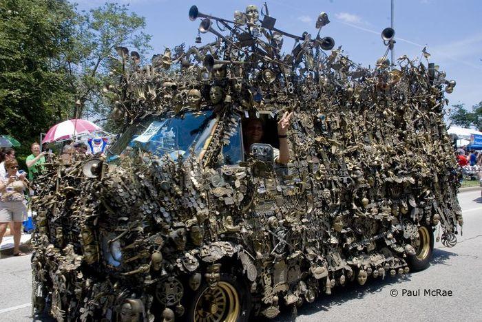 Микроавтобус из латуни оценили в 350000$ (10 фото)